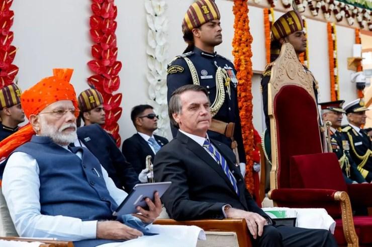 O presidente Jair Bolsonaro ao lado do primeiro-ministro Narendra Modi durante cerimônia de comemoração do Dia da República da Índia em foto de janeiro de 2020 — Foto: Alan Santos /PR