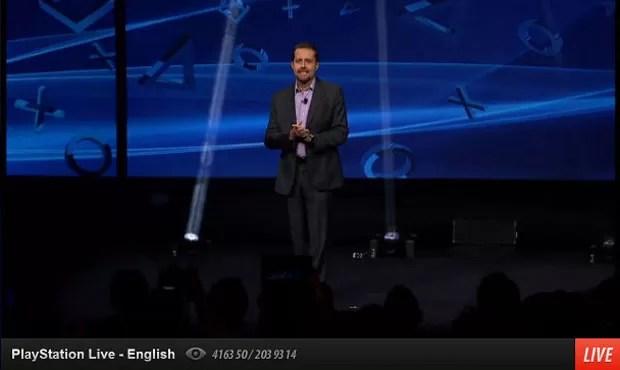 Andrew House anunciou novo PlayStation 4 nesta quarta-feira (20) nos EUA. (Foto: Reprodução)