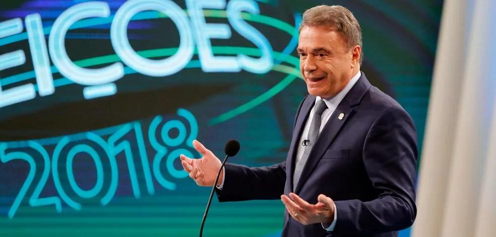 O candidato do Podemos à Presidência da República, Alvaro Dias, durante debate nos estúdios da TV Globo no Rio de Janeiro — Foto: Marcos Serra Lima/G1