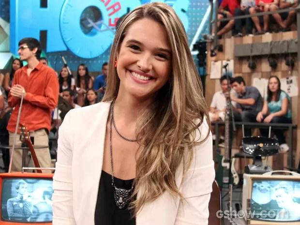 Juliana Paiva desfila novo visual na gravação do programa Altas Horas (Foto: TV Globo/Altas Horas)