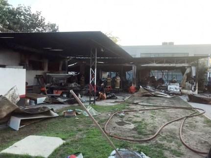Parte das instalações do CT do Flamengo devastadas pelas chamas — Foto: Arquivo pessoal