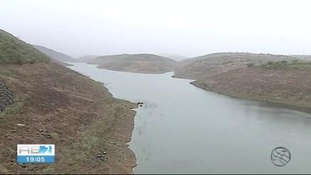 Barragem de Jucazinho, localizada no município de Surubim — Foto: TV Asa Branca/Reprodução
