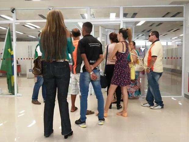 Clientes foram pegos de surpresa (Foto: Lucas Leite/G1)