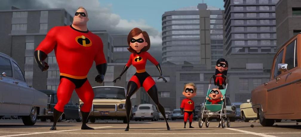 Família reunida para salvar a reputação dos heróis em 'Incríveis 2', que chega aos cinemas nesta quinta (14) (Foto: Divulgação)