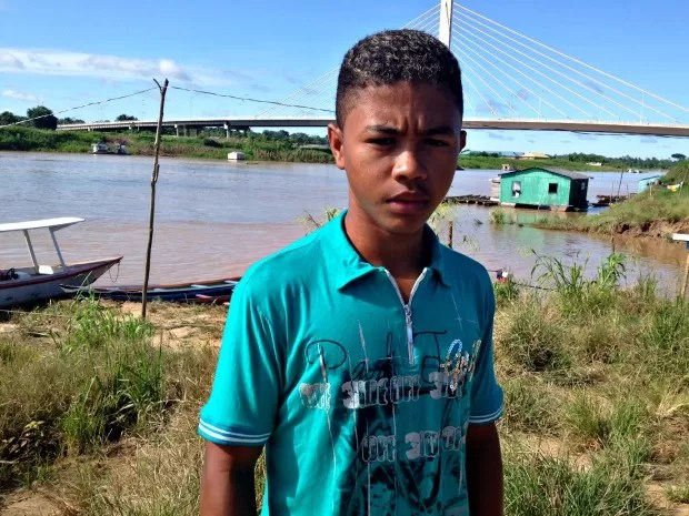 Família espera que o menino seja o primeiro a ter ensino superior (Foto: Genival Moura/ G1)