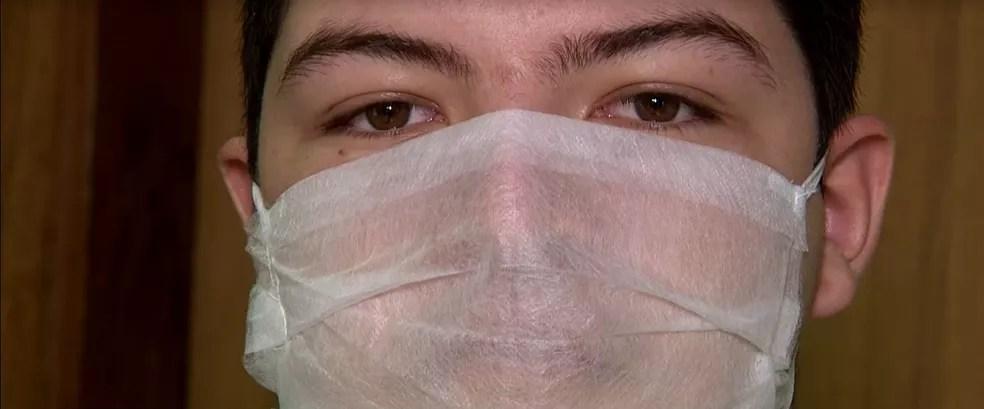 Máscara usada pelo aluno Samuel — Foto: Reprodução/NSC TV