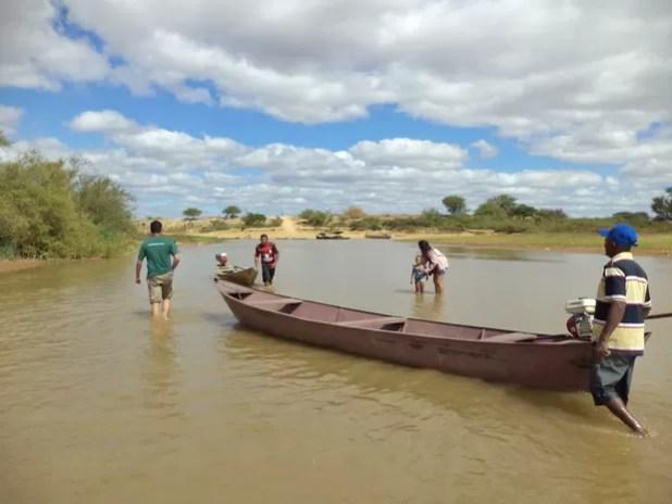 Seca do do Rio Saõ Francisco afeta canal do Guaxinim em Xique-Xique na Bahia (Foto: Edgardo Pessoa Filho / SAAE)