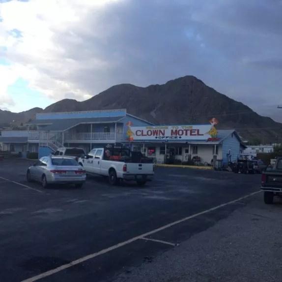 Fachada do Clown Motel