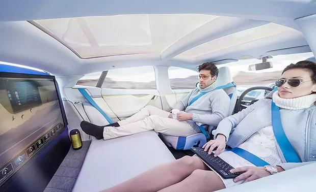 O carro Xchange dirige sozinho, assim os passageiros podem fazer outras coisas, como assistir a filmes e trabalhar (Foto: Divulgação)