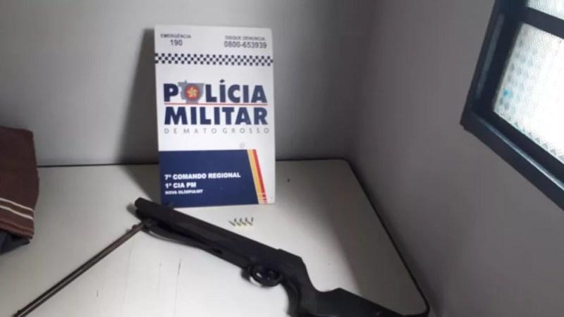 Menino pegou espingarda e atirou acidentalmente na mãe em Nova Olímpia — Foto: Polícia Militar de Nova Olímpia