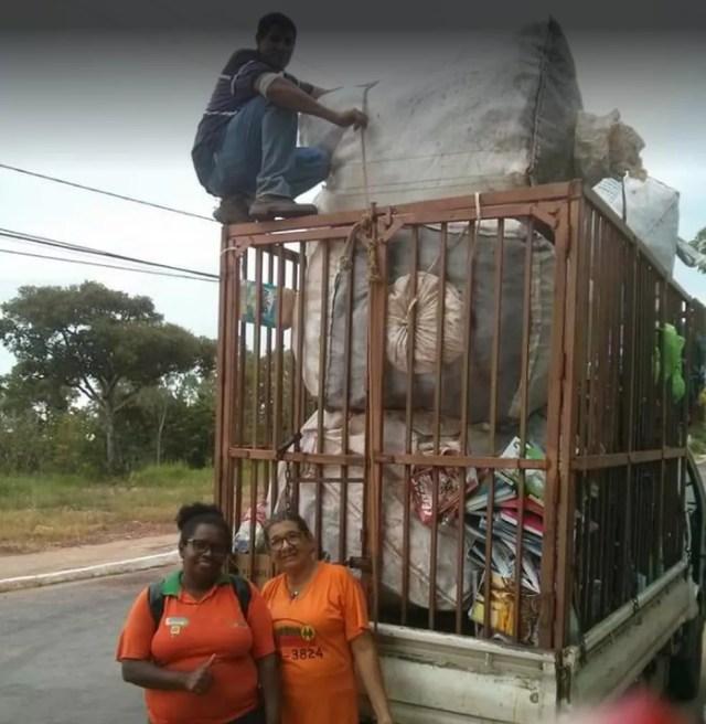 Trabalhadores da Cooperativa Alternativa de Reciclagem e Preservação do Meio Ambiente (Coorepan) durante o trabalho — Foto: Divulgação