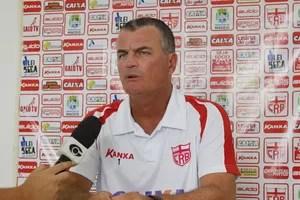 Mazola Júnior, técnico do CRB (Foto: Caio Lorena / GloboEsporte.com)