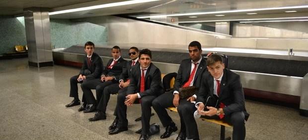 Grupo jogadores São Paulo viagem (Foto: Site Oficial / saopaulofc.net)