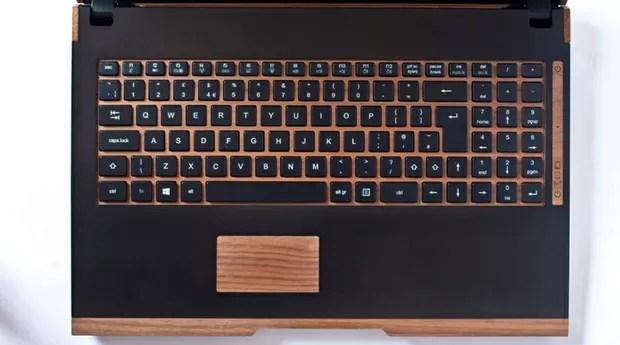 Empresa está produzindo um laptop ecológico também (Foto: Reprodução/iameco)