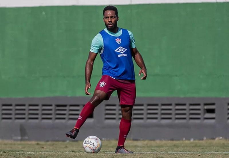 Zagueiro revela já ter sido menosprezado por causa de sua altura — Foto: Lucas Merçon / Fluminense FC
