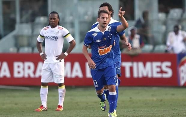 Éverton Ribeiro gol Cruzeiro (Foto: Daniel Teixeira / Agência Estado)