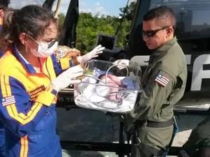 Bebê nasce durante voo de helicóptero do GTA (Foto: Divulgação)