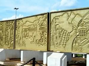 Painel dos Imigrantes é a peça mais cara a ser restaurada, segundo Funcultural (Foto: Condecom/ Divulgação)