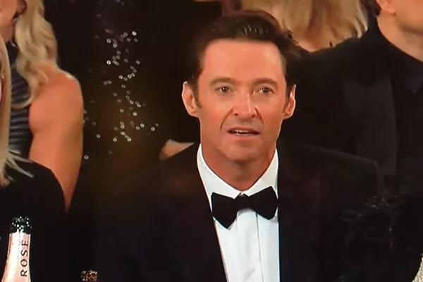 A reação de choque de Hugh Jackman após ser derrotado por James Franco no Globo de Ouro 2018 (Foto: Reprodução)