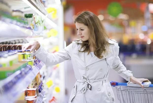 Versões light de produtos geralmente contêm grande quantidades de adoçantes artificiais (Foto: Think Stock)