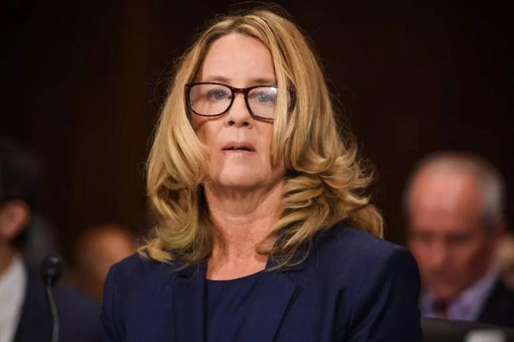 Christine Blasey Ford participa de audiência no Comitê Judiciário do Senado dos Estados Unidos nesta quinta-feira (27) — Foto: SAUL LOEB / AFP