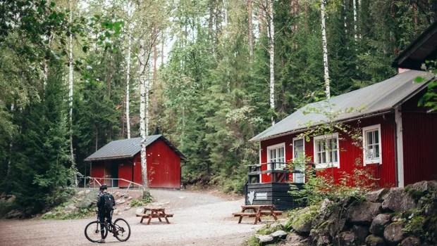 Casa na Finlândia: conexão com a natureza é um dos principais argumentos dos cidadãos locais para justificar felicidade (Foto: Reprodução/Pexel)