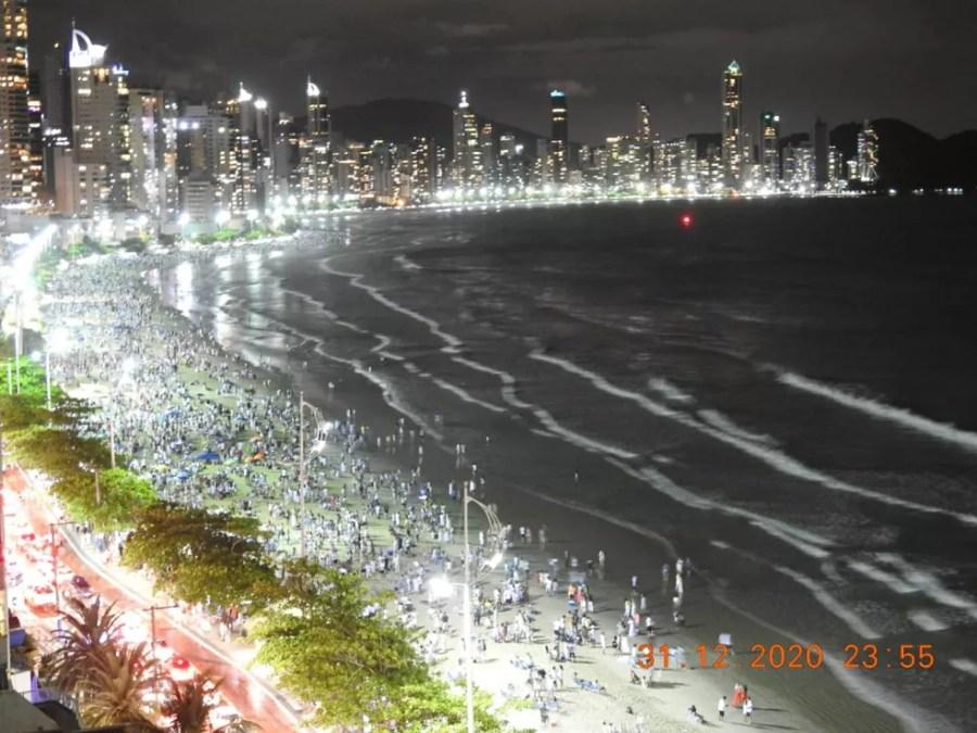 Balneário Camboriú momentos anteriores da virada do Ano Novo — Foto: Divulgação