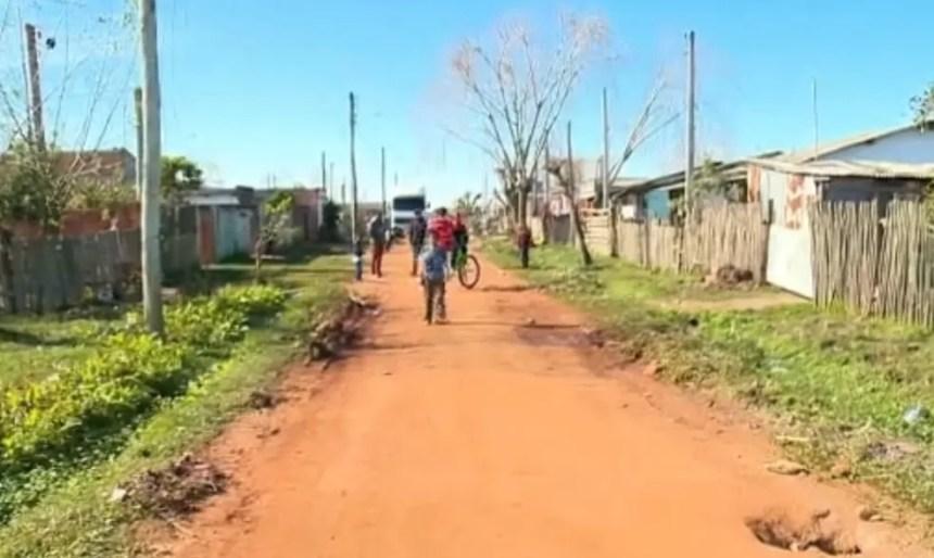Menino achou arma na casa do tio em Pelotas (Foto: Reprodução/RBS TV)