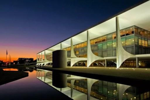 Por dentro do Palácio do Planalto, a sede do poder executivo no Brasil - Casa Vogue | Edifícios