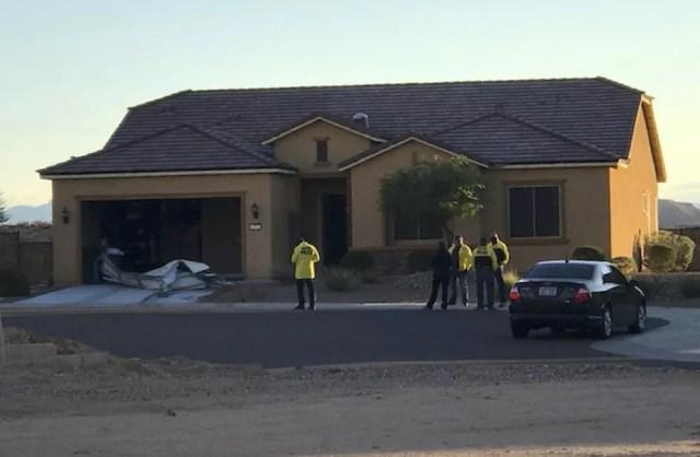 Polícia investiga casa do atirador de Las Vegas Stephen Paddock em Mesquite, Nevada (Foto: Mesquite Police via AP)