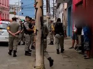 Brigada Militar realiza operação na região de Porto Alegre, crack (Foto: Reprodução/RBS TV)