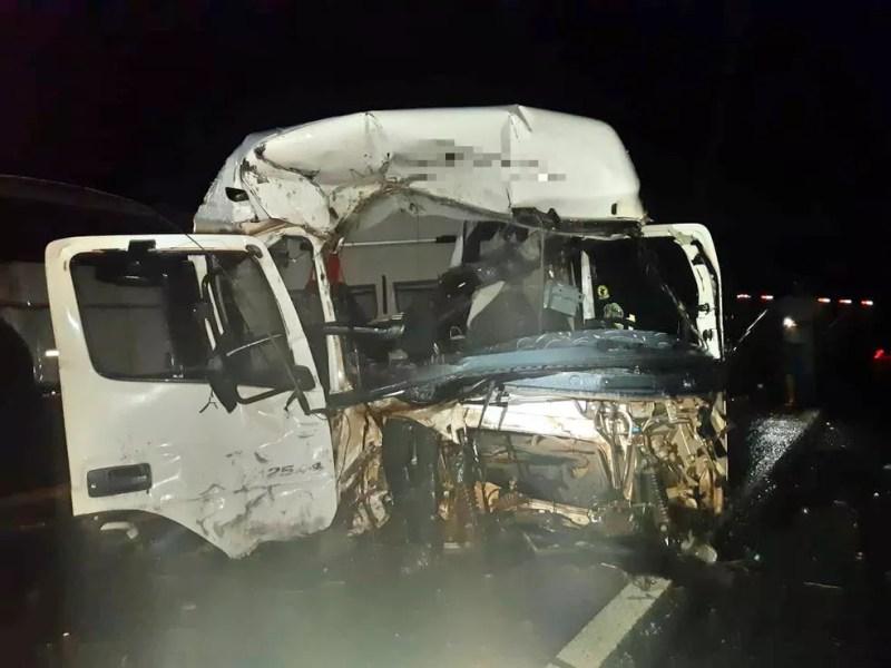 Motorista da carreta morreu no local do acidente, em Jupi — Foto: PRF/Divulgação
