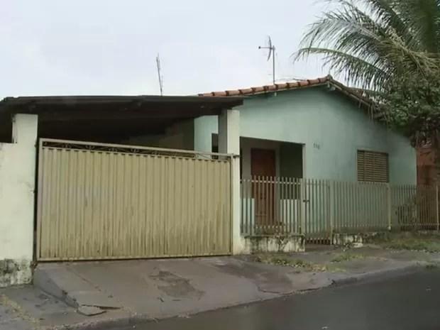Casa em Novo Horizonte onde a criança foi encontrada (Foto: Reprodução / TV TEM)