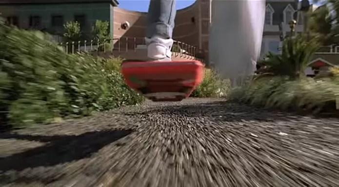 Lexus já criou um hoverboard que se parece com o do filme (Foto: Reprodução/YouTube)