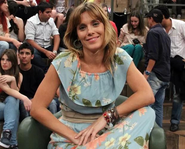 Carolina Dieckmann comenta sobre sua personagem em Salve Jorge (Foto: TV Globo/Altas Horas)