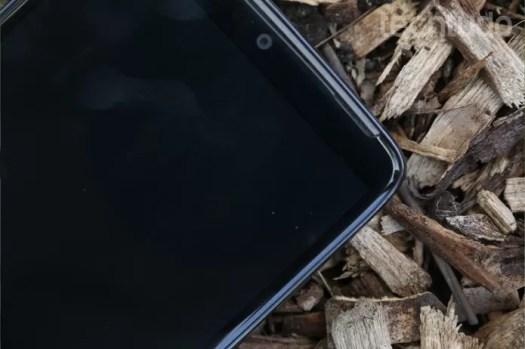 Detalhe do design das bordas do Moto Maxx (Foto: Lucas Mendes/TechTudo)