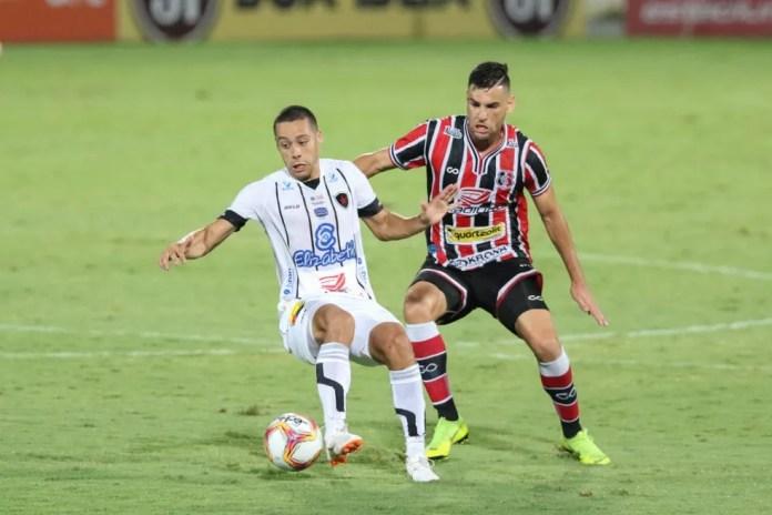 Dentre os nove reforços que chegaram ao Botafogo-PB para a Série C, Ramon é um que se destaca, pois marcou dois gols importantes na campanha — Foto: Marlon Costa/Pernambuco Press