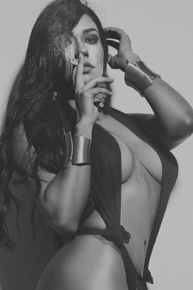 Cintia Valentin, candidata ao concurso mulher mais sexy do Brasil (Foto: Rogério Tonello/Divulgação)