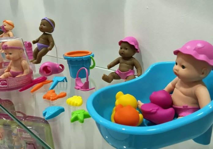 Modelos de bonecas feitos para aumentar a representatividade racial (Foto: Ana Carolina Moreno/G1)