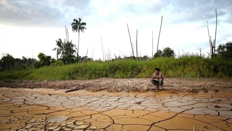 mudança-climatica-sustentabilidade-seca-chão-rachado-sertão-efeito-estufa (Foto: Amri HMS/CCommons)