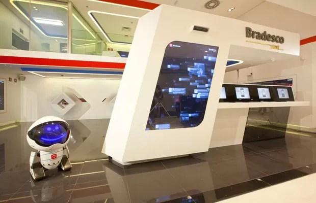 'Banco do futuro' do Bradesco conta com robozinho que recepciona os visitantes (Foto: Divulgação)