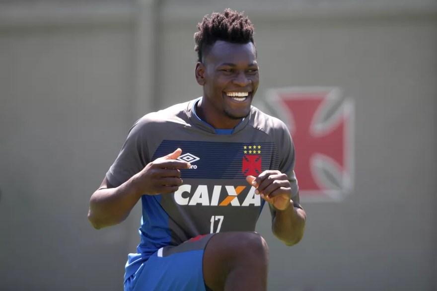 Paulão rescindiu com o Vasco após mais de um ano no clube (Foto: Paulo Fernandes / Vasco)