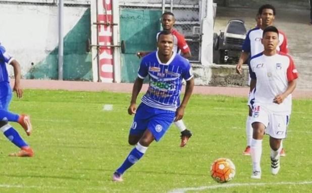 Alan Pereira no Club Deportivo y Social Santa Rita (Foto: Arquivo Pessoal)