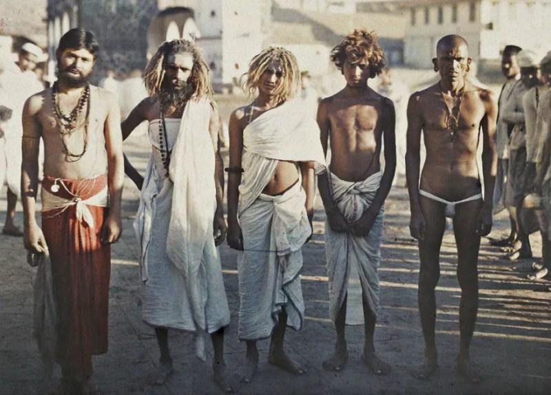 Habitantes da cidade indiana de Bombai, foto de 1913 (FOTO: REPRODUÇÃO)