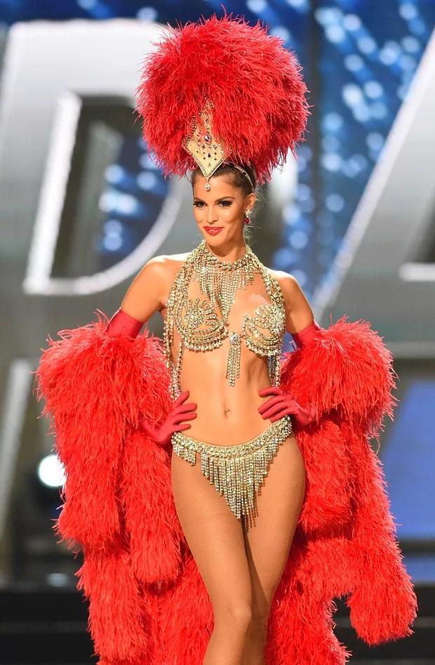 Francesa vence concurso e é coroada a nova Miss Universo