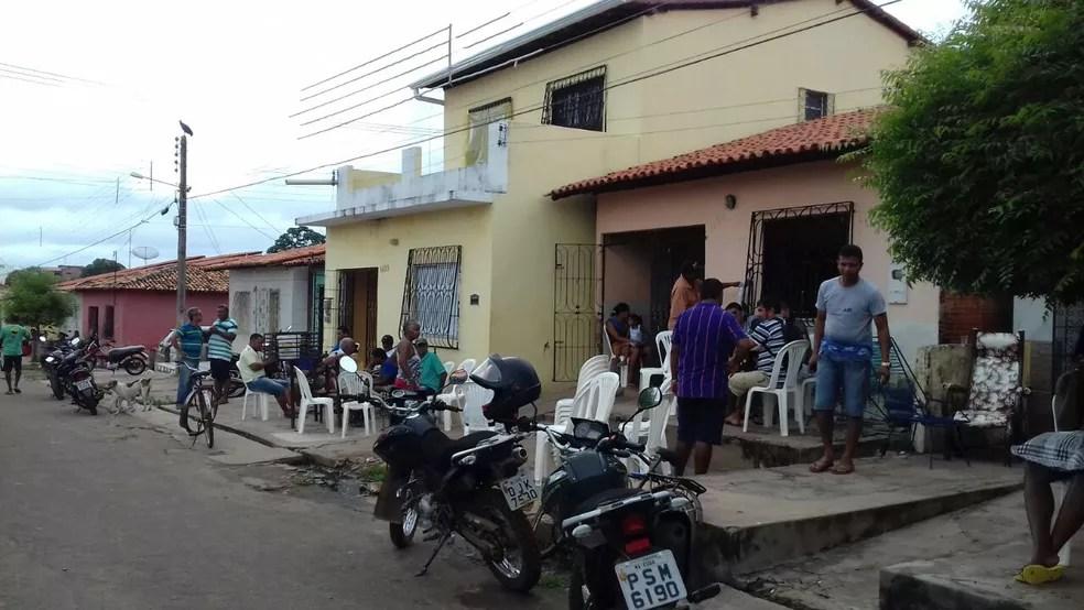 O corpo da vítima será enterrado ainda neste domingo (7) (Foto: Sena Freitas / Divulgação)