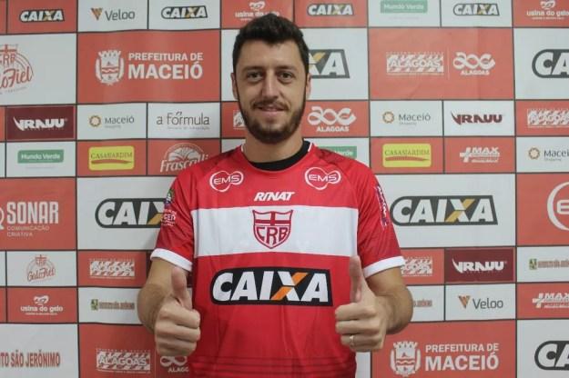 Felipe Menezes fechou a série de cobranças e classificou o CRB — Foto: Maxwell Oliveira / Ascom CRB