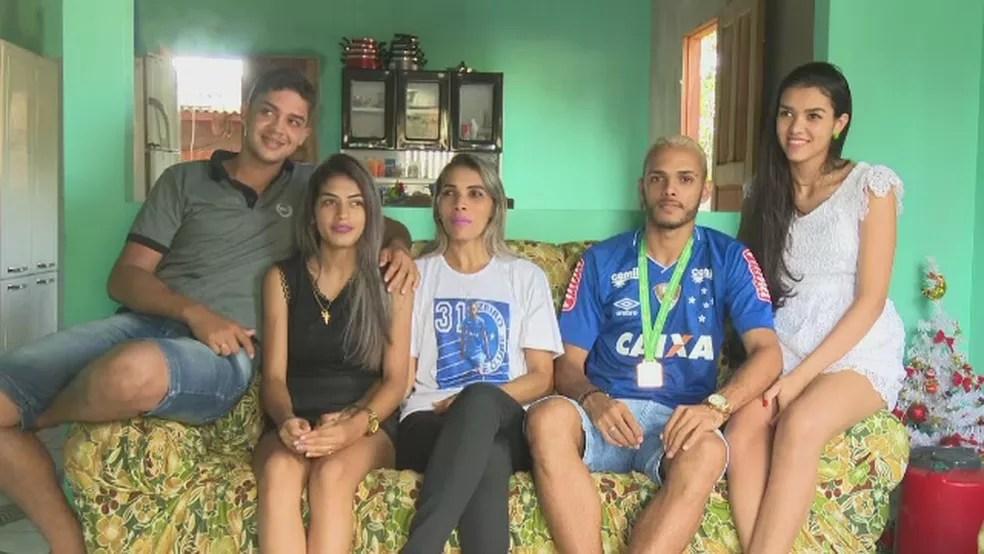 Careca com a família em Rio Branco; meia está de férias na capital acreana (Foto: Reprodução/Rede Amazônica Acre)