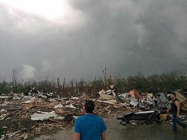 Tornado deixou um rastro de destruição em Mayflower,  (Foto: Cortesia de James Bryant / via AP Photo)