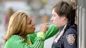 Policial atrapalhado tenta recuperar o prestígio prendendo um grupo de belas assaltantes de banco. Na perseguição, ele conta com a ajuda de uma taxista que está aprendendo a dirigir.